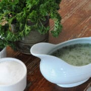 Parsley liquor gravy