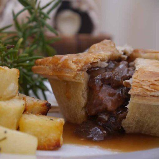 Lamb & rosemary pie